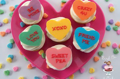 Extraordinary Guest: Valentine's Cupcake Toppers.