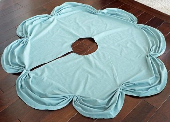Table Cloth DIY Christmas Tree Skirt - 25 Handmade Christmas Ideas over at the36thavenue.com