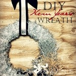 DIY Tinsel New Years Wreath by the36thavenue.com. Easy, affordable and quick to make!