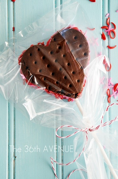Heart Ice Cream Sandwiches. Delicious and easy Valentine's Day dessert.