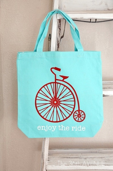 DIY Stenciled Tote #Silhouette the36thavenue.com