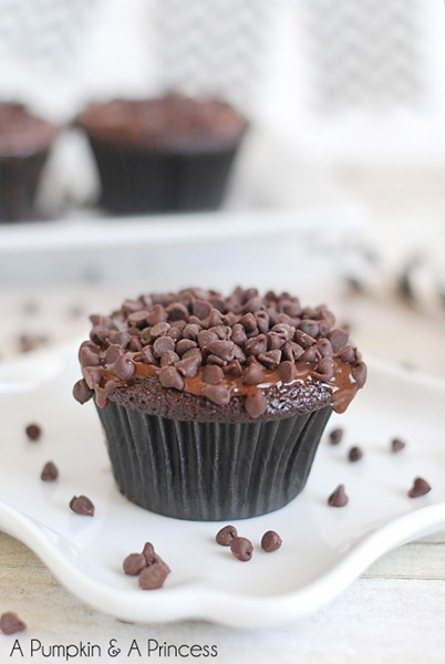 Triple-Chocolate-Ganache-Cupcakes-Recipe1