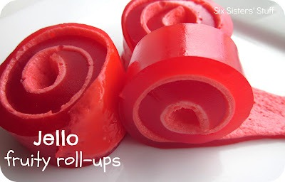 1352791912_jello_fruity_roll-ups
