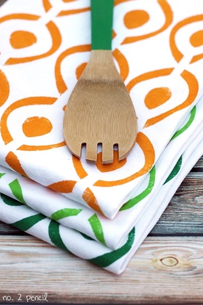 stenciled-tea-towels-2_thumb.jpg