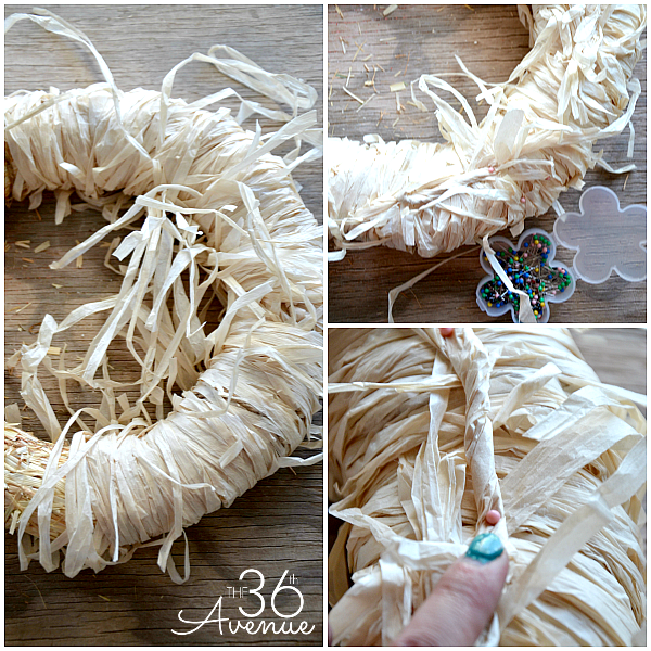 Summer Wreath Tutorial from the36thavenue.com So cute!