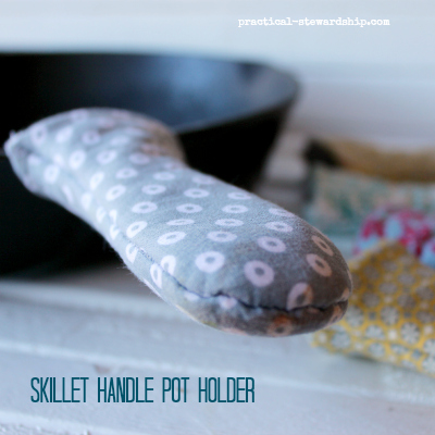 Skillet-Handle-Pot-Holder