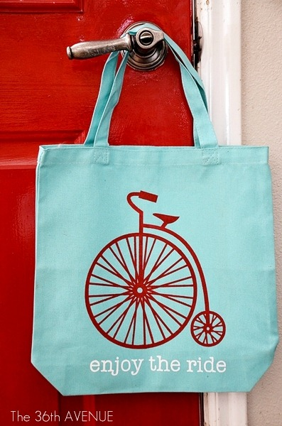 DIY Tote Tutorial at the36thavenue.com …So cute!
