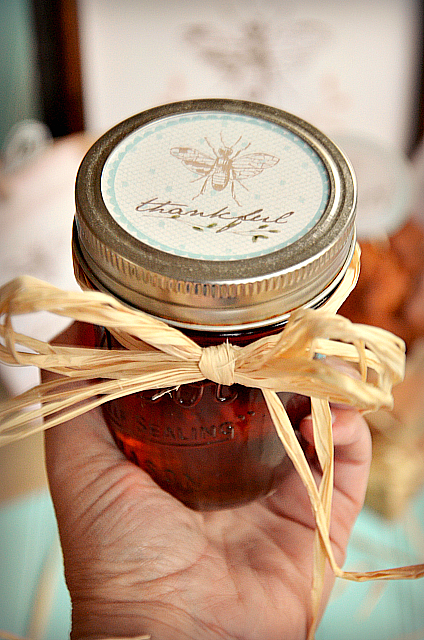 """""""Bee"""" Thankful Free Printables at the36thavenue.com Perfect for Thanksgiving!"""