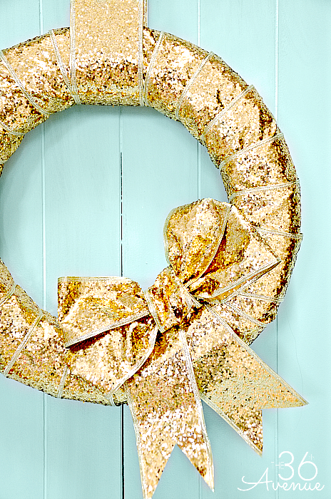 Check out how to make this Christmas Wreath in just minutes! Tutorial at the36thavenue.com