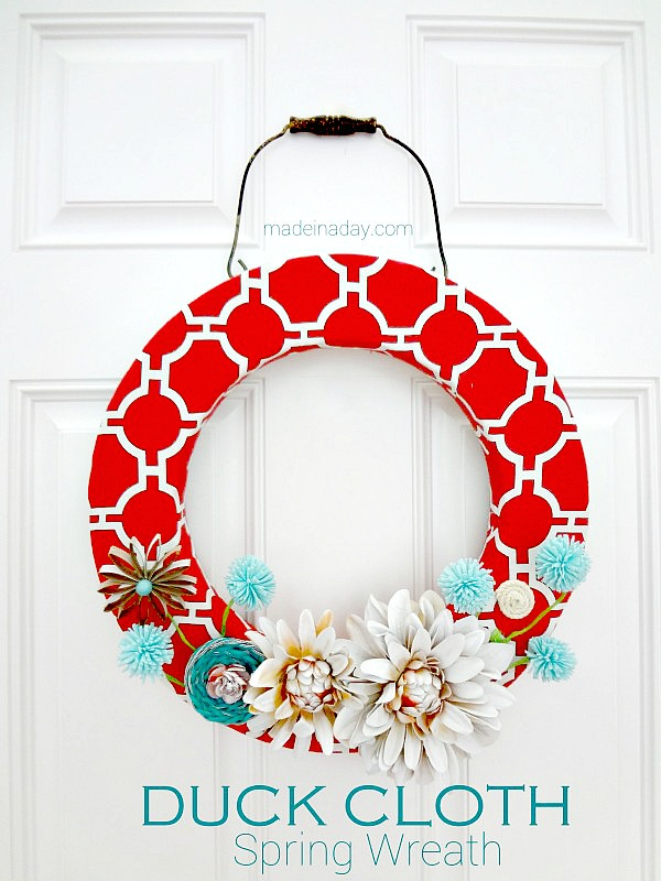 Adorable Wreath and 15 DIY Fabric Project Tutorials... These are awesome! #craft #diy