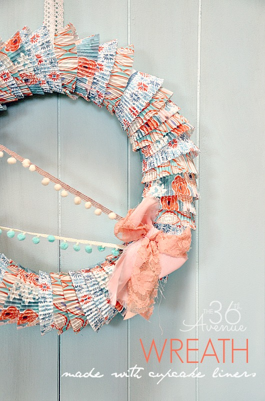 How to make a wreath using cupcake liners. Easy tutorial @the36thavenue #wreath #diy