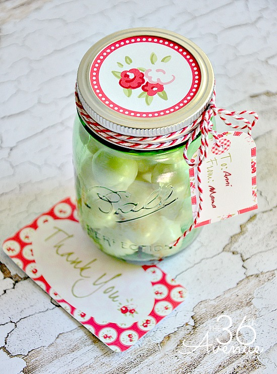 Adorable Free Printables and Jar Gift Idea at the36thavenue.com #herritagecollection #contest