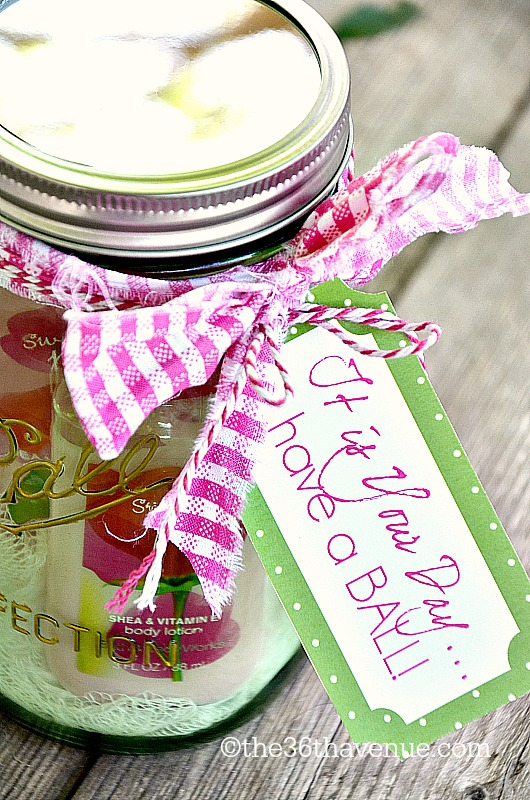 Super Jar Gift Idea and Free Printable at the36thavenue.com #herritagecollection