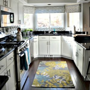 White Kitchen Makeover and Decor Ideas at the36thavenue.com #kitchen