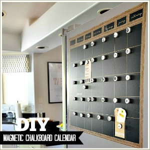 DIY Magnetic Chalkboard Calendar Tutorial at the36thavenue.com ...Perfect for the side of the fridge!