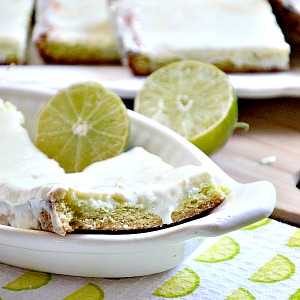 Key Lime Bars... These are so darn good! Recipe by the36thavenue.com