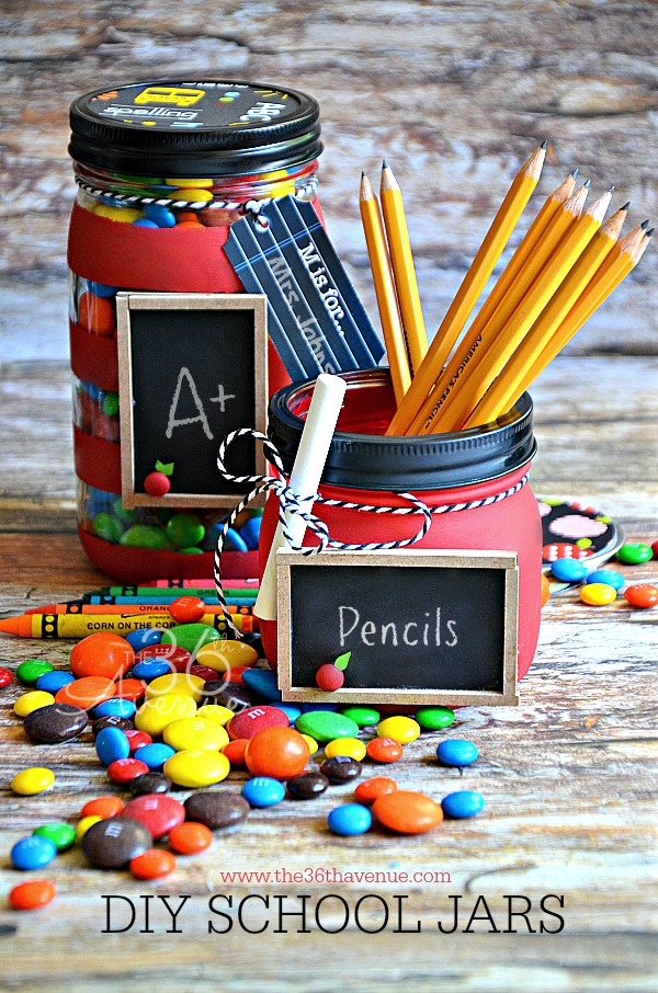 Top Mason Jar Craft Ideas. DIY handmade gifts in a jar, party ideas, organization, home decor, holiday gifts, recipes in a jar, teacher appreciation gifts, this post have it all.