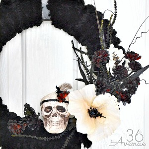 Halloween Wreath Tutorial at the36thavenue.com