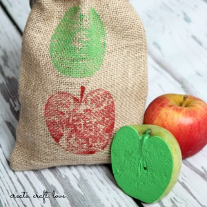 Super cute DIY Apple Stamped Gifts Bags by createcraftlove.com