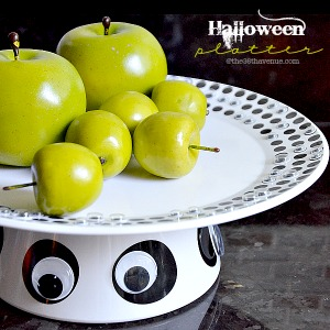 Halloween Craft - Make this Halloween Platter in minutes... Awesome for serving your Halloween treats. the36thavenue.com