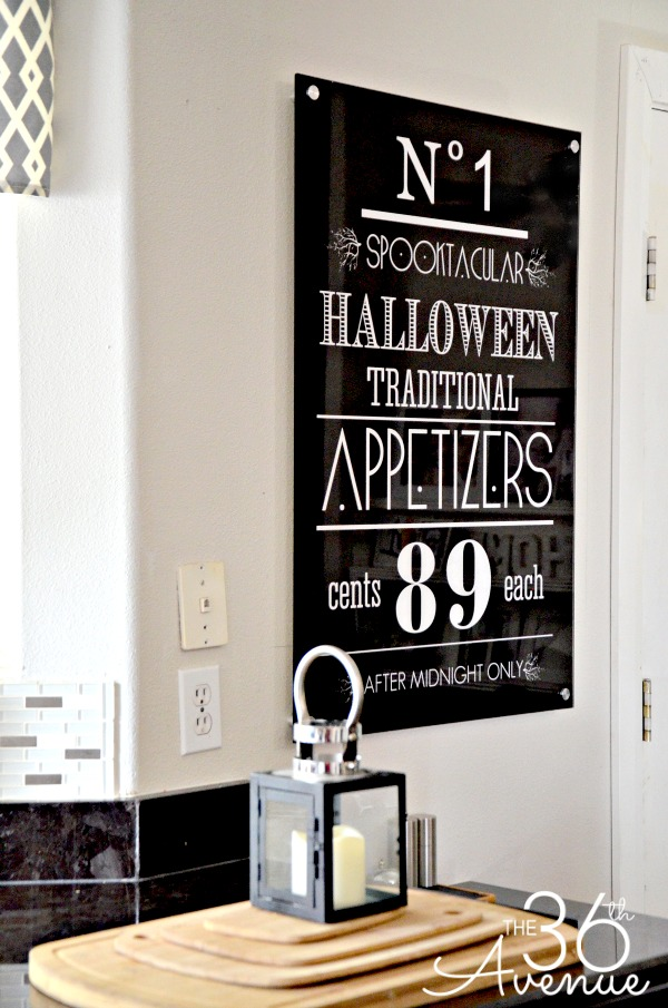Halloween Decor Ideas by the36thavenue.com #shutterflydecor
