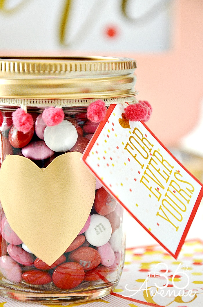 Valentines Day Gift Idea - Super cute heart jars and free printable at the36thavenue.com PIN IT NOW AND MAKE THEM LATER! #valentines