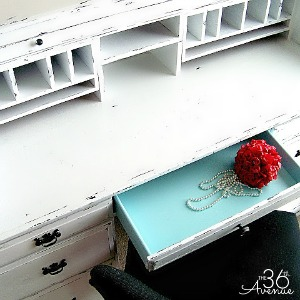 How to Paint Furniture – Desk Makeover