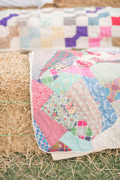 southern-wedding-quilt-seating