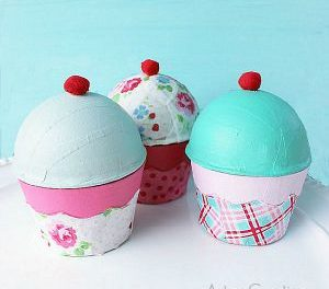 Crafts – DIY Cupcake Boxes