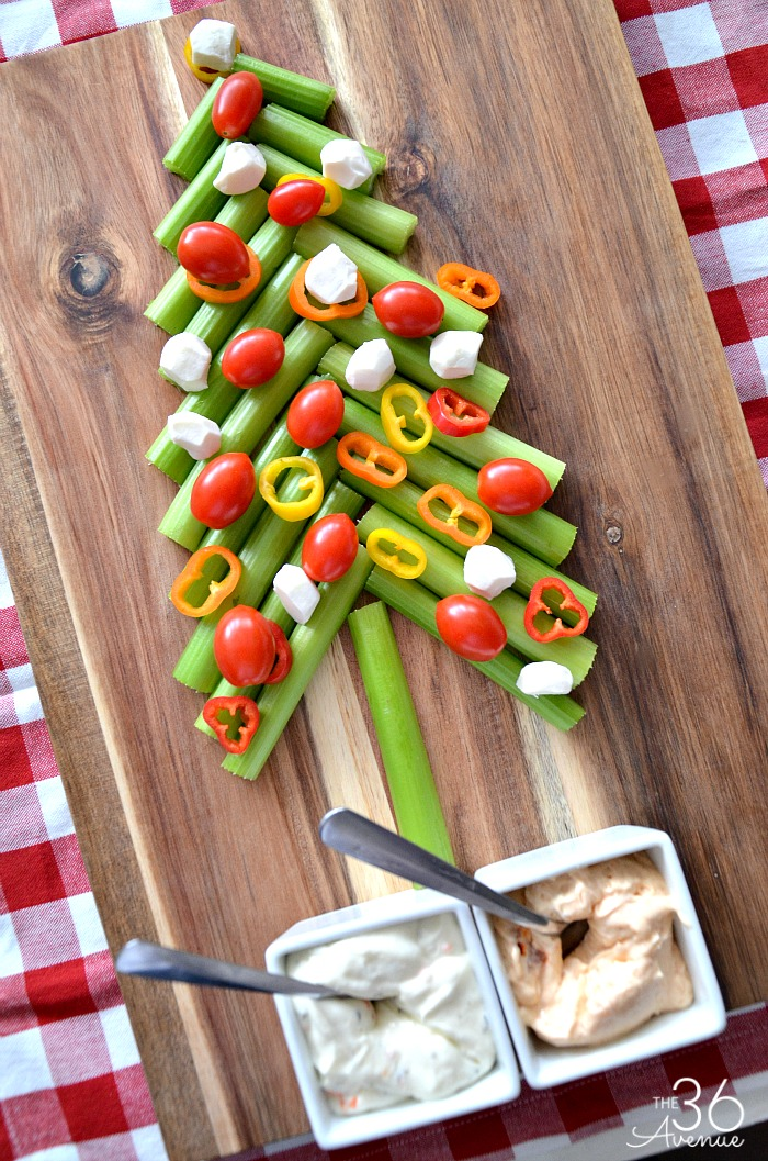 Christmas Recipes- Veggie Christmas Tree Appetizer... A healthy appetizer for the holidays! Pin it NOW and make it later!