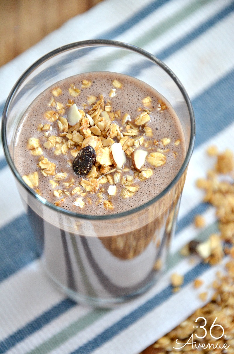 Three Ingredient Dairy Free Smoothie Recipe - Chocolate, peanut butter and bananas blended to perfections. PIN IT NOW and make it later!