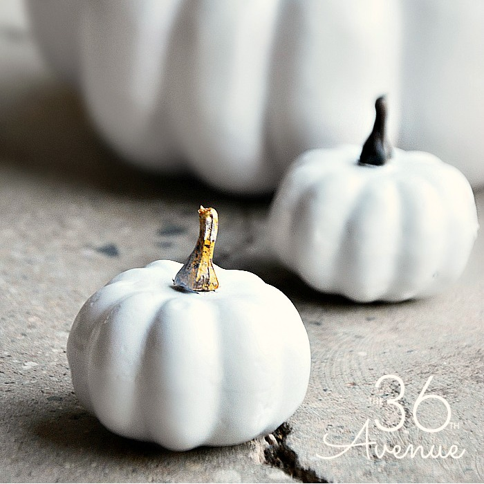 Pumpkin Tutorial and easy DIY Fall Decor Ideas that you can make.