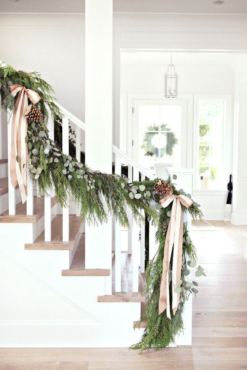 Farmhouse Christmas Decor Ideas. Beautiful Christmas decorations for your home.