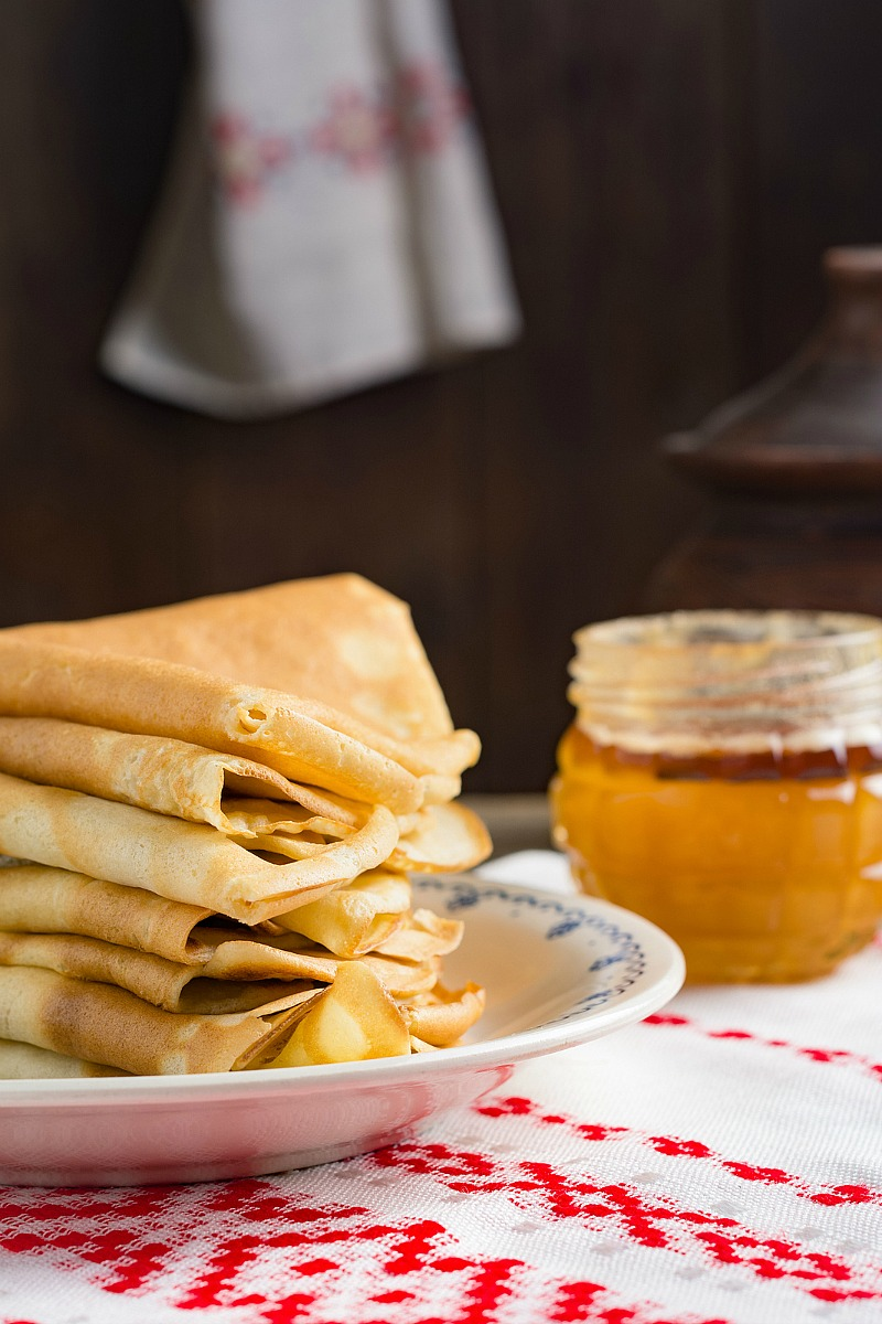 Crepes Recipe - How to make easy and delicious homemade crepes.