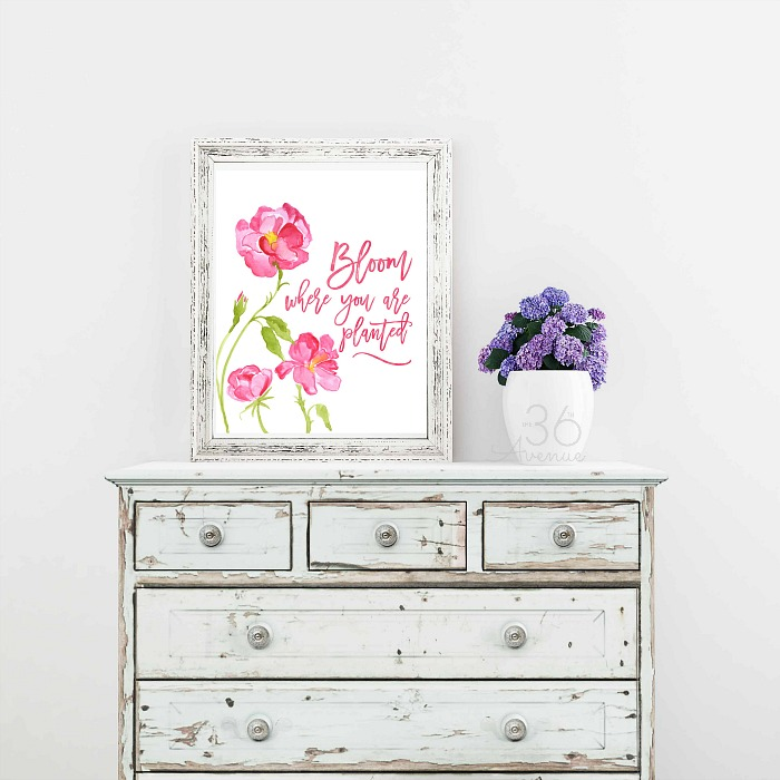 This Free Spring Printable is perfect to bright up your home and decorate for Easter.