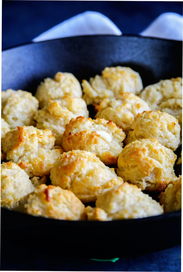 Easy Skillet Biscuits Recipe - easy to make side dish everyone loves.