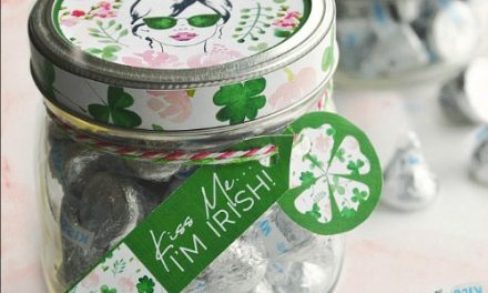 ST. PATRICK'S DAY – KISS ME
